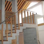 Holz-Betton-Treppe