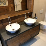 Badezimmermöbel in Altholz